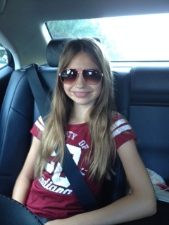 Elle on way to school, 6th grade